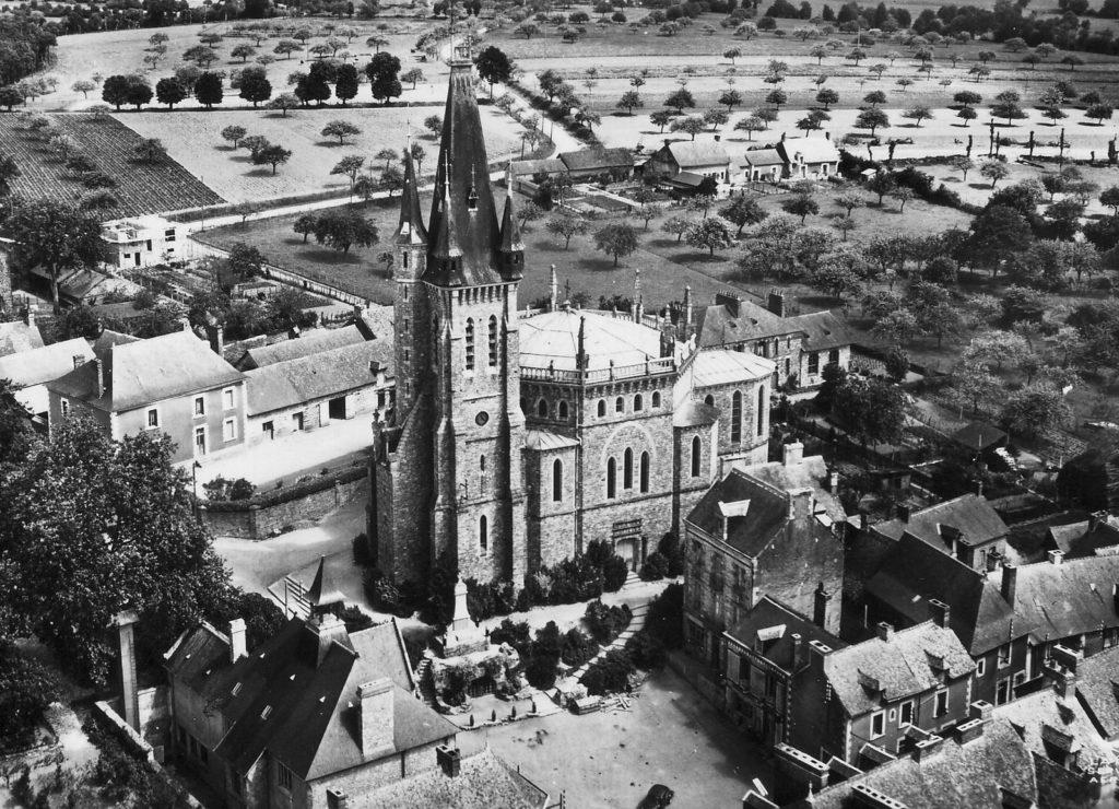 Église Saint-Pierre de Châteaubourg