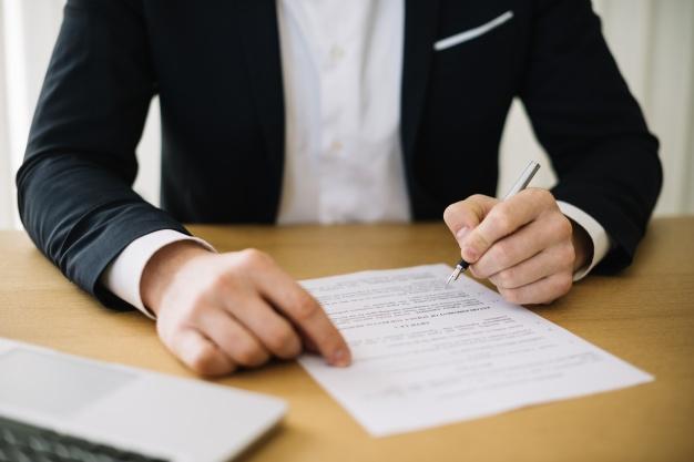 Signature dossier contrat