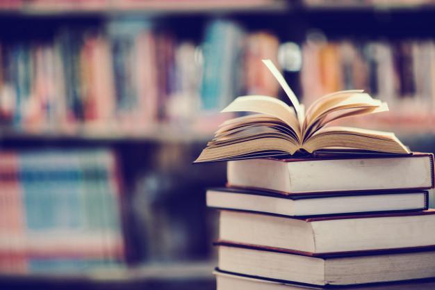 livre-bibliotheque-manuel-ouvert_1150-5920